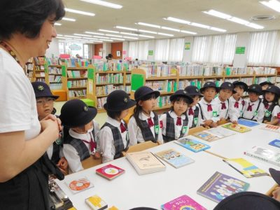 第一幼 図書館(30.6)1