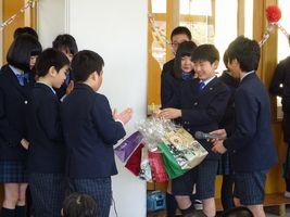 小学校 6年生送る会(30.3)2